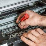 Dlaczego warto naprawiać drukarki w serwisie?